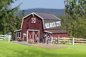 Piko Red Barn