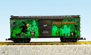USA Trains Glow In The Dark Halloween Box Car