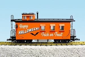R12027 USA Trains Halloween Wood side Caboose